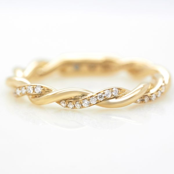 yellow gold twisted diamond pave wedding band