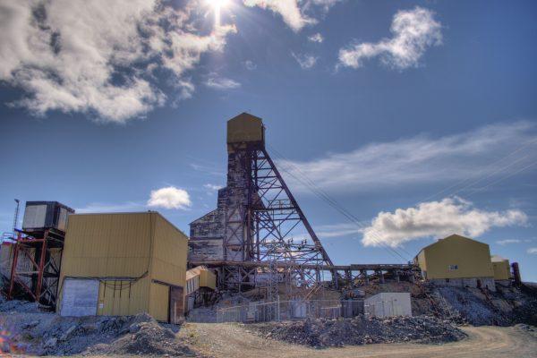 Mine_Building_Giant_Mine_Yellowknife_Northwest_Territories_Canada_12 (2)