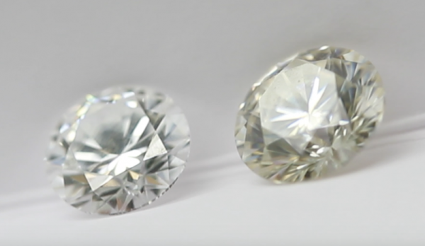 diamond vs moissanite colour