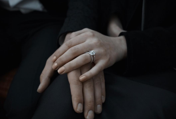 sophie turner joe jonas engagement ring