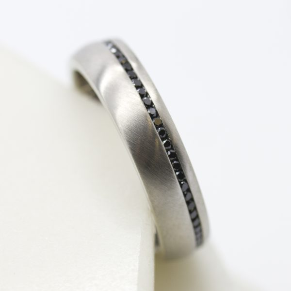 black diamond pave mens wedding ring