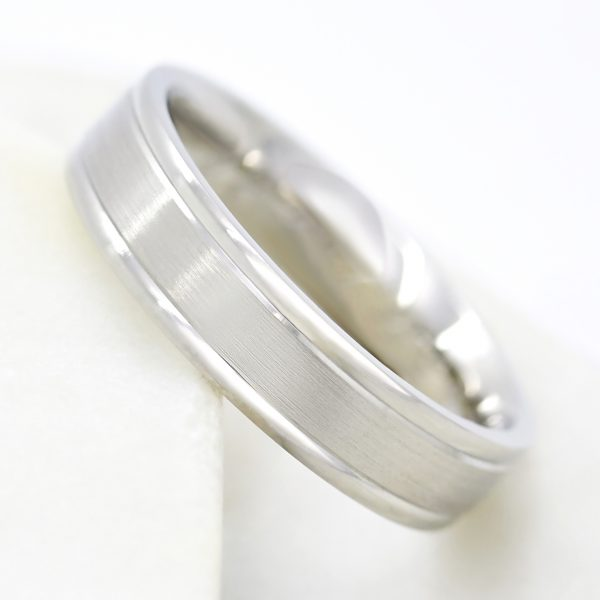 polished and satin finished mens wedding ring