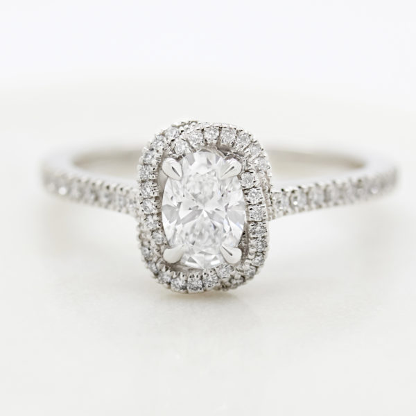 oval diamond entwined diamond pave band2
